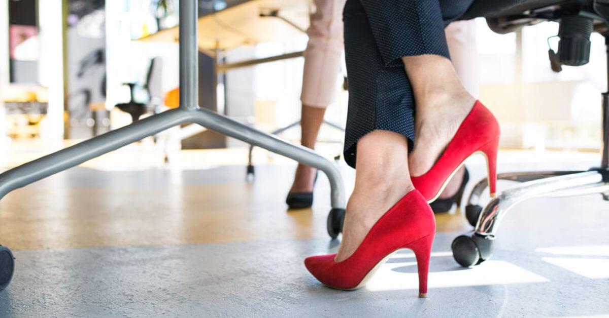 Ofis Şıklığında Ayakkabı Aksesuar Seçimi